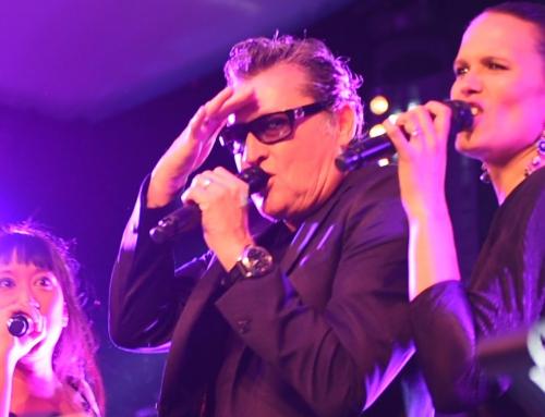 Barry Hay rockt op prive feest met klassieker Radar Love