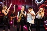 Big Band Boston Tea Party viert een feestje met Redwood in Duitsland | feestband.com